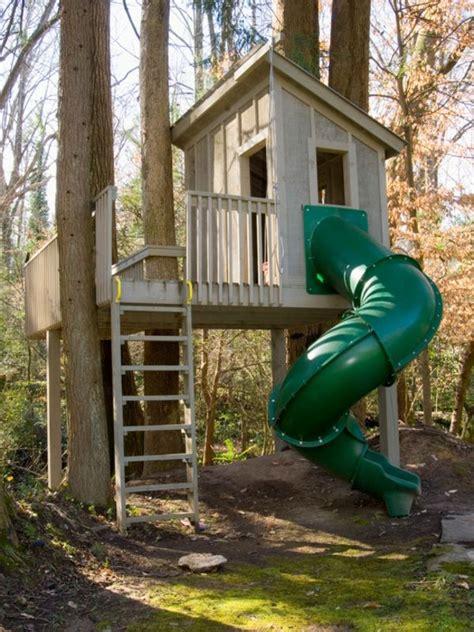 maison en bois dans les arbres les 25 meilleures id 233 es concernant maisons dans les arbres sur maison pour enfants