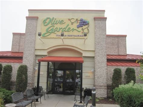 olive garden blaine mn entry always looks like a place picture of olive