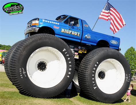 monster truck bigfoot video bigfoot 5 international monster truck museum hall of fame