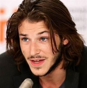 Cheveux Long Homme Conseil : coiffure cheveux mi longs homme ~ Medecine-chirurgie-esthetiques.com Avis de Voitures
