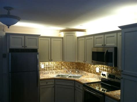 counter lighting for kitchen cabinets cabinet lighting 9528