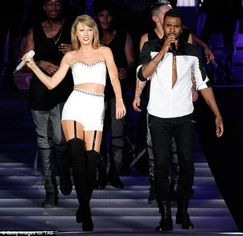 Taylor Swift Joined By Jason Derulo And Lorde For A 1989