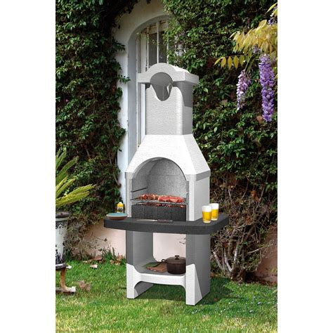 barbecue en beton gris clair  crepir torquay