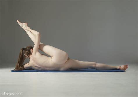 sexy light skinned ebony girls naked pics