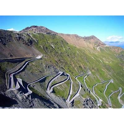 Stelvio Pass In Italy 4