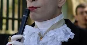 Présentateur En Anglais : ma tre de c r monie pr sentateur tendance aristocrate calixte de nigremont ~ Medecine-chirurgie-esthetiques.com Avis de Voitures