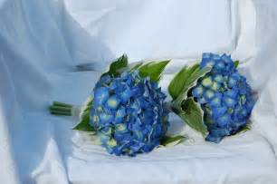 flowers for weddings ideas on beautiful blue wedding bouquets