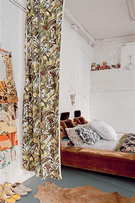 astuce pour separer une chambre en 2 affordable dans une chambre au style rtro un lit en