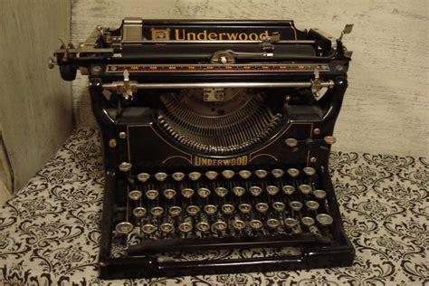 Antique Typewriter Vintage Electronics Underwood
