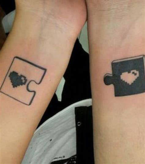 Foto : Tatuajes de parejas: dos piezas de puzzle