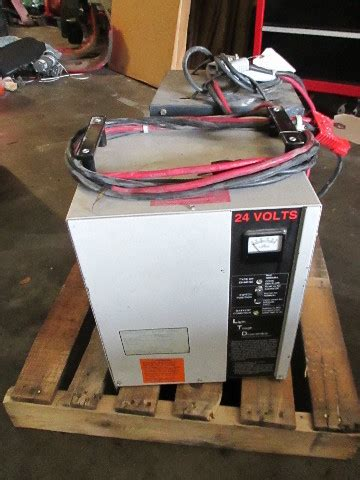 ferro  vdc electric forklift battery charger ph ah   cell