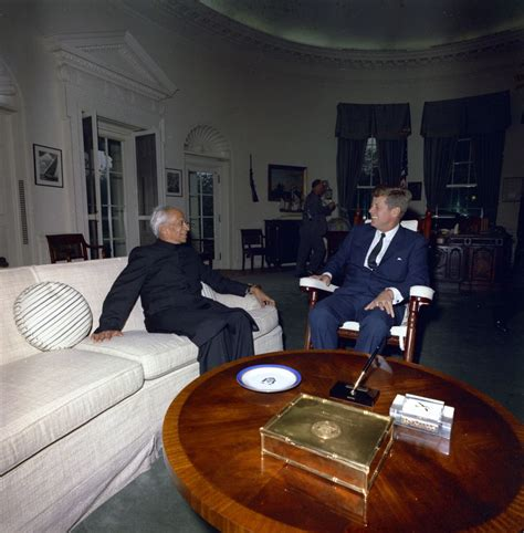 jfk rocking chair oval office file president f kennedy with indian president