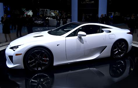 lexus white file lexus lfa whitest white geneva jpg wikimedia commons