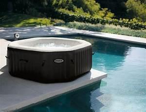 Badewanne Für Draußen : aufblasbare badewanne solide und ruhig f r maximal 6 ~ Michelbontemps.com Haus und Dekorationen