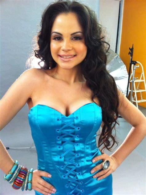 natti natasha swimsuit dominican republic female singers
