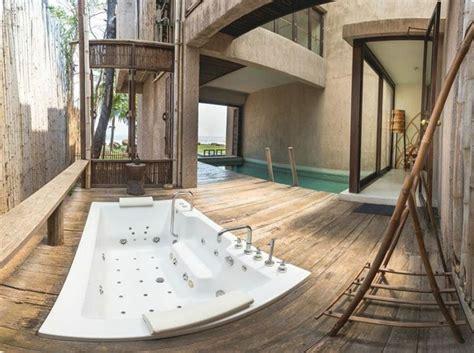 5 ที่พักพร้อมจากุซชี่ริมระเบียง ชวนแฟนไปเปลี่ยนที่อาบน้ำแบบเก๋ ๆ