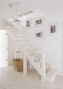 Die Treppe Freudenstadt : sch ner flur und die treppe erst dachboden in 2019 ~ A.2002-acura-tl-radio.info Haus und Dekorationen