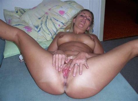 Amateur Cougar Wife Creampie