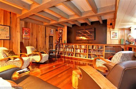 luxury  bedroom houseboat   wood recovered