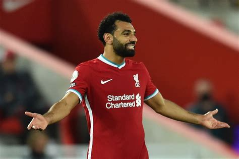 Keep or sell Salah? What the experts say