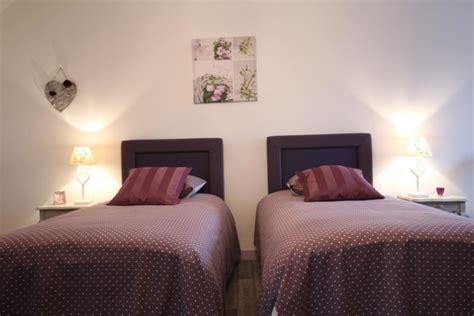 chambre simple pour deux personnes la dame de luormel avec lits jumeaux de cm pour qui