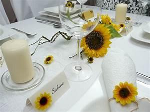Tischdeko Mit Sonnenblumen : sch ne sonnenblume f r die tischdeko ~ Lizthompson.info Haus und Dekorationen
