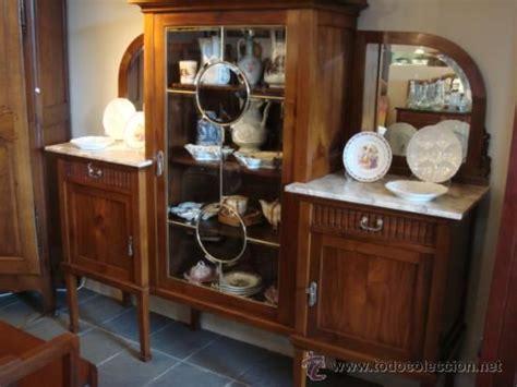 antiguo mueble de comedor  vitrina restaurado