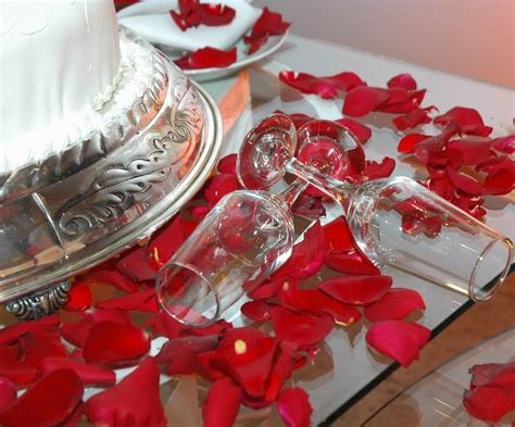 how to decorate for a wedding how to decorate a wedding cake table wedding cake table decoration ideas