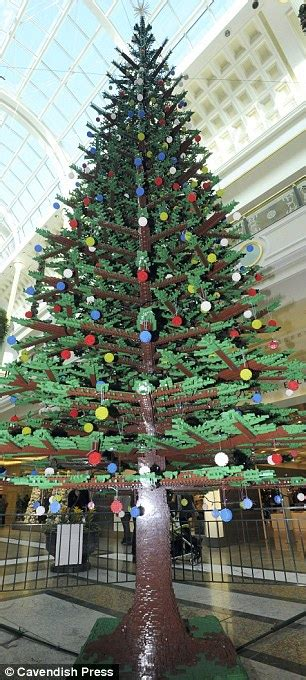 impressive 30 foot christmas tree made from 350 000 lego