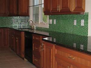 Advantages of using mosaic glass backsplash belk tile for Advantages of using glass tile backsplash