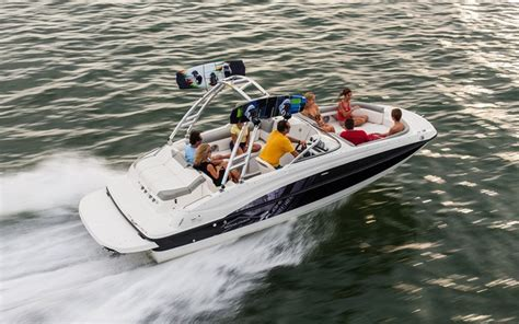bayliner 190 deck boat test 2013 bayliner 215 deck boat tests news photos