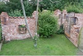 Ruinenmauer Im Garten. ruinenmauer im garten garten und bauen ...