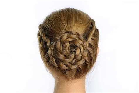 12 Trendy Hairstyles To Try For Work