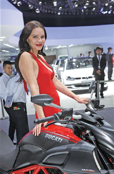 model stands   ducati motorcycle