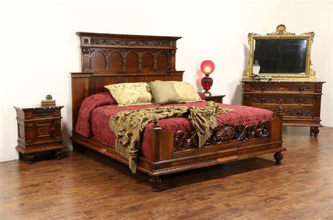 sold italian renaissance  antique king size  pc