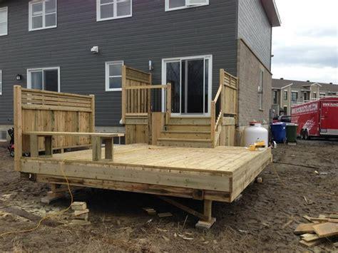 idee de patio en bois patio de bois trait 233 recherche intimit 233 patio bois trait 233 patios et