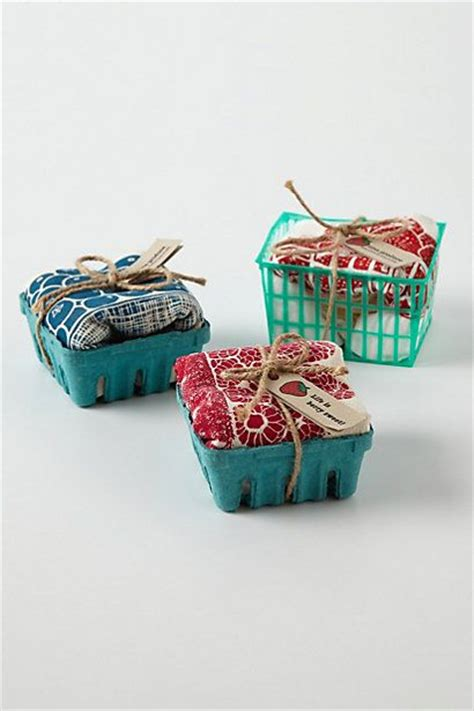Kitchen Tea Gift Wrapping Ideas by 66 Best Towel Packaging Images On Wrapping