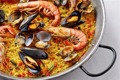 cucina spagnola paella ricetta paella di pesce non sprecare