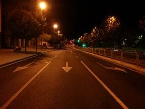 File:Empty road at night.jpg - Wikimedia Commons