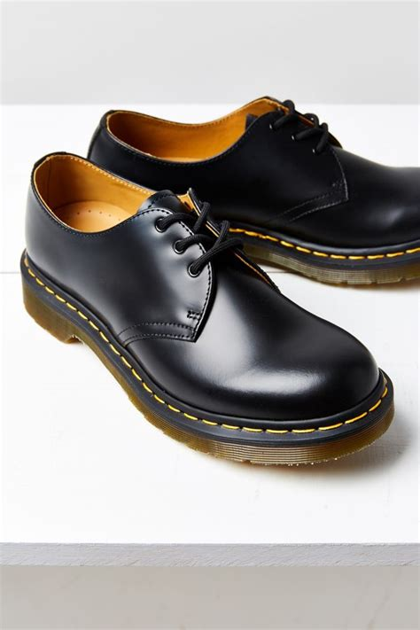 dr martens  eye oxford urban outfitters