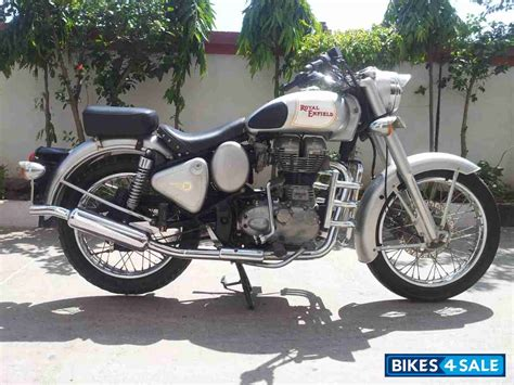 Royal Enfield Classic 350 Photo by Price Royal Enfield Classic 350 Price