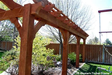 11 Charming Trellises Define Space, Add Beauty & Privacy