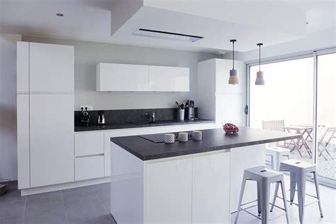 cuisine noir et blanc laqué emejing cuisine blanc laque et gris pictures design