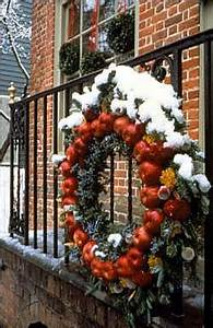Decorations Deck the Doors The Colonial Williamsburg
