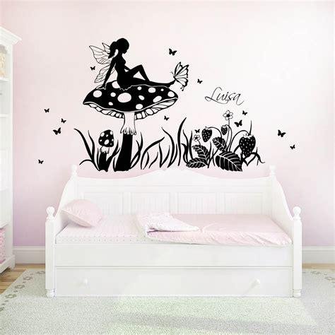 Wandtattoo Kinderzimmer Pilze by Wandtattoo Elfe Fee Auf Fliegenpilz Mit Schmetterlinge Und
