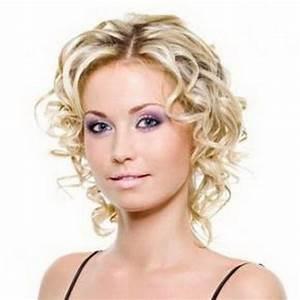 Cheveux Court Bouclé Femme : coupe courte frisee ~ Louise-bijoux.com Idées de Décoration