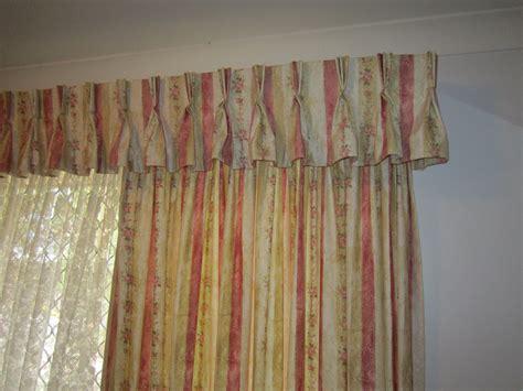 Beautiful Curtain Design Using Pinch Pleat Sheers