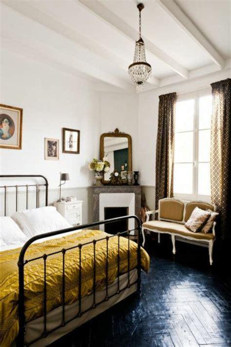 chambre avec lit noir chambre avec parquet blanc design de maison
