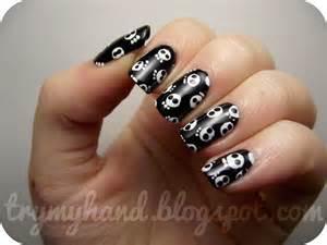 Try my hand halloween nails skull print