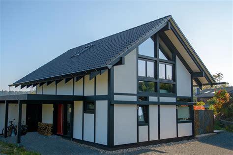 Moderne Fachwerkhäuser Von Kdhaus  Kd Haus